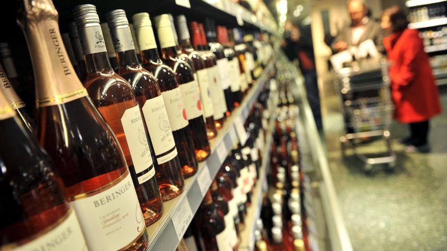 Generalitat retrasa la hora límite para comprar alcohol
