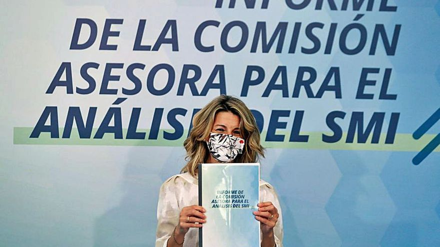 La comisión de expertos pide para 2021 un salario mínimo de hasta 969 euros