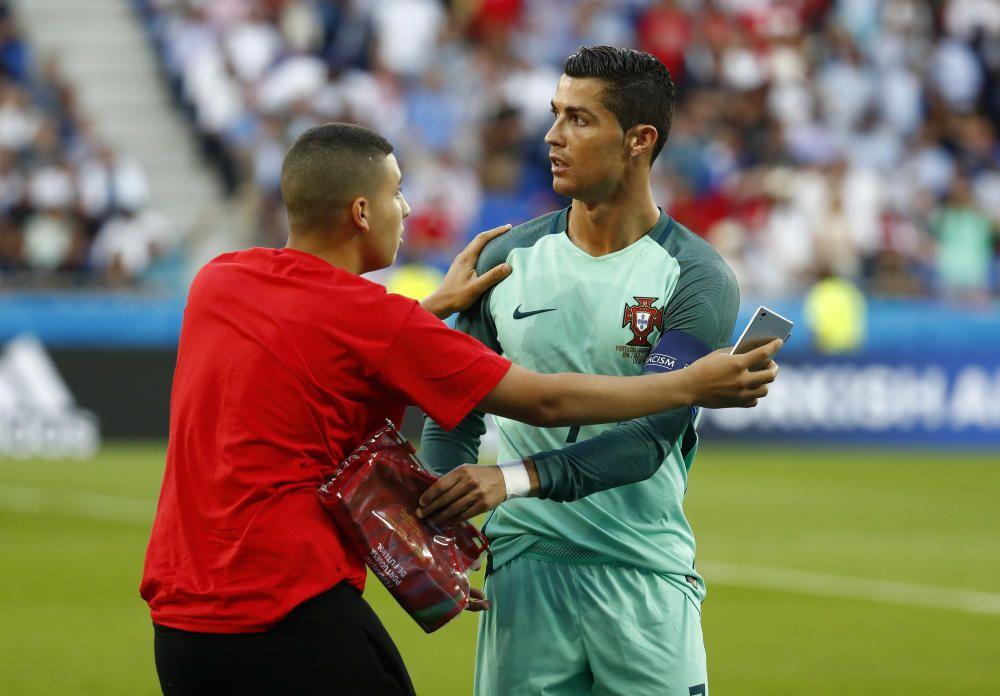 Un fan de Cristiano se cuela en la previa del Port