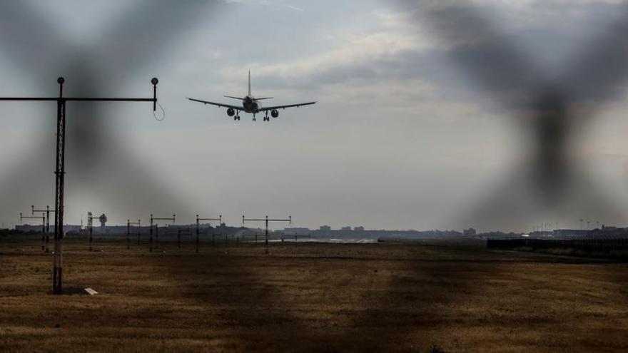 Keine Gratis-Hotline: Geldbußverfahren gegen Airlines