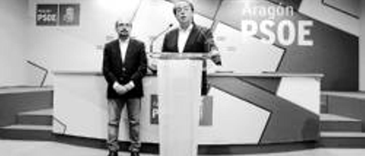 Suárez vuelve a ganar pero podría ser alcalde Santisteve con PSOE y CHA