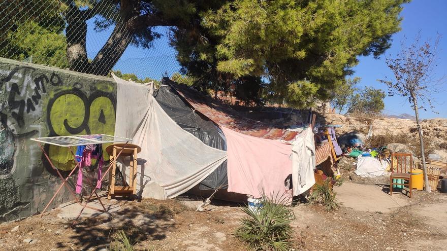 Compromís insiste sobre las medidas para las personas sin hogar durante el toque de queda