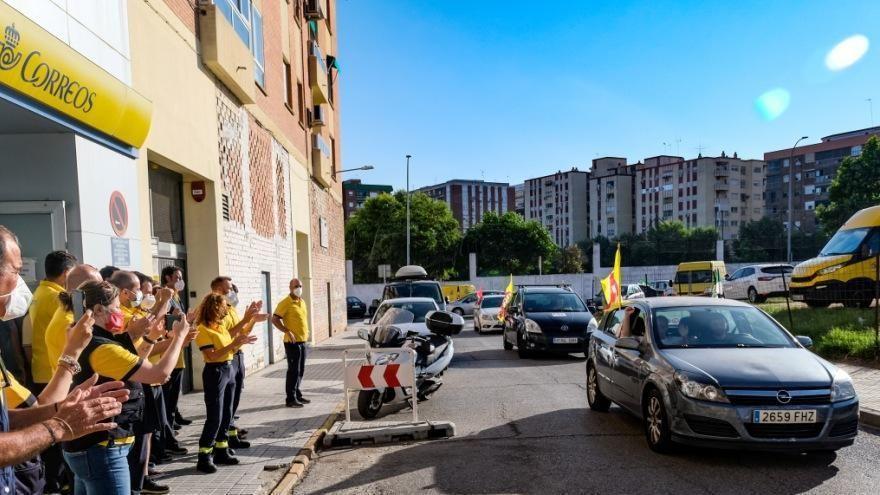 Protesta de los trabajadores de Correos en Badajoz