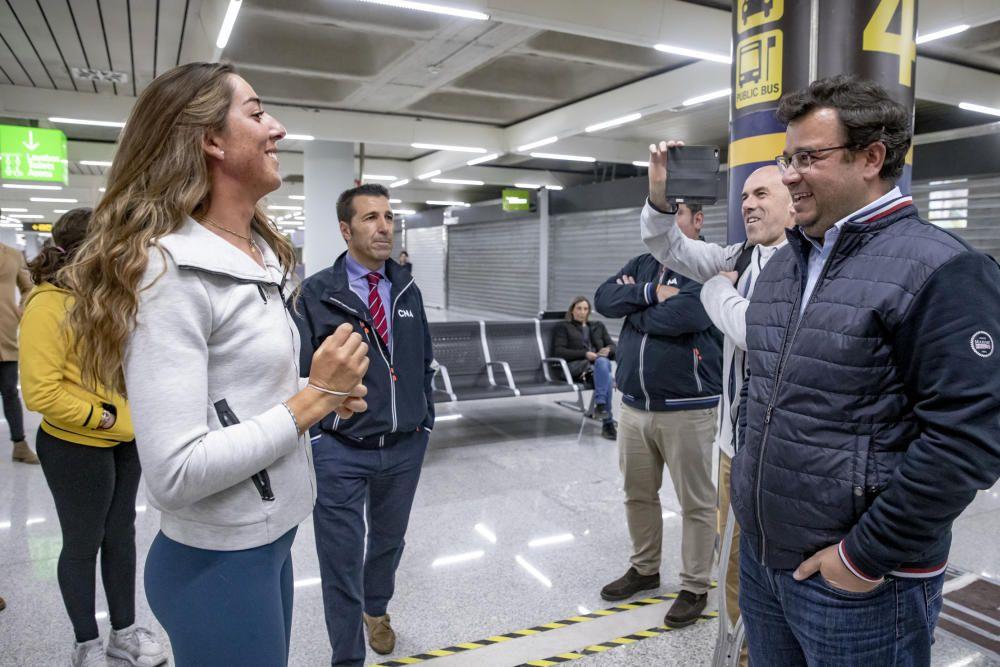 Recibimiento a Paula Barceló, tras proclamarse campeona del mundo en 49er FX