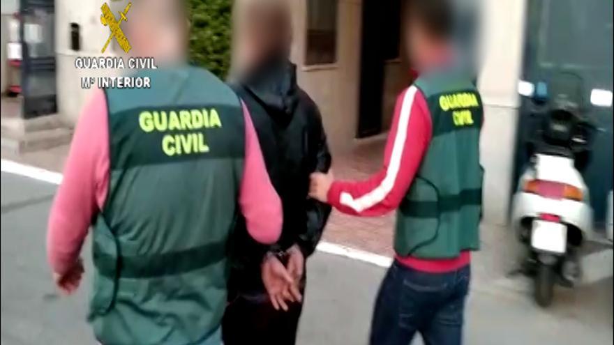 Extraditado el búlgaro que amenazó a la Policía durante el altercado en las oficinas del DNI en Torrevieja