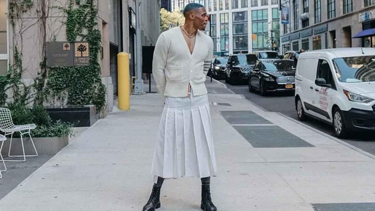 Westbrook con su último outfit