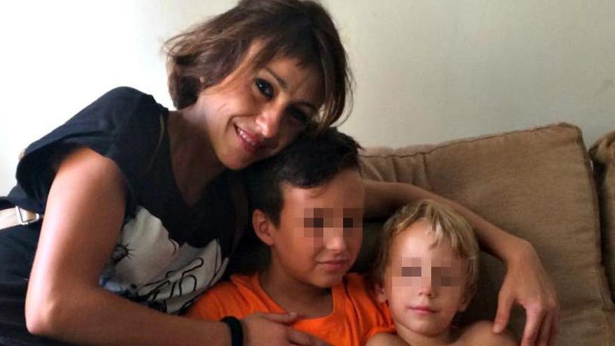 La juez pide a Juana Rivas y su expareja que no hagan pública la vida de sus hijos
