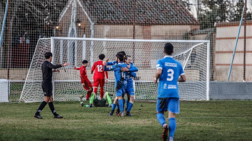 Tres sufridos puntos para el CD Villaralbo