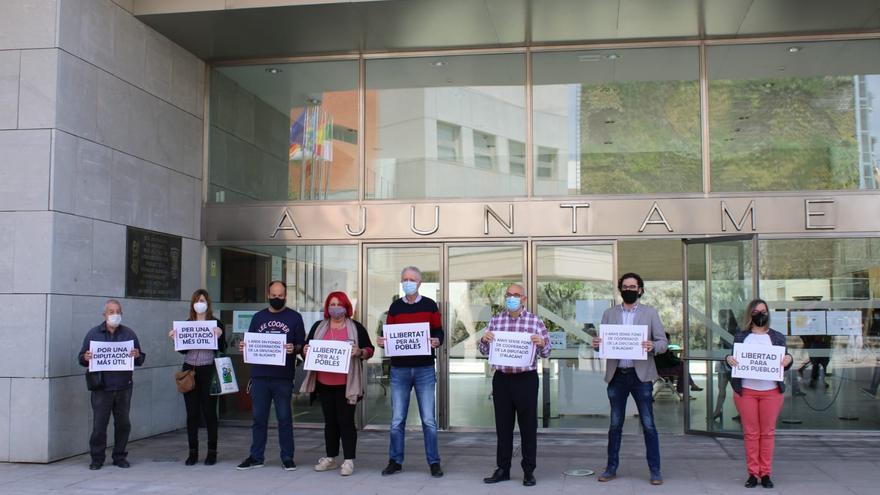 PSOE, Compromís y EU de San Vicente reclaman a la Diputación gestionar los Fondos de Cooperación
