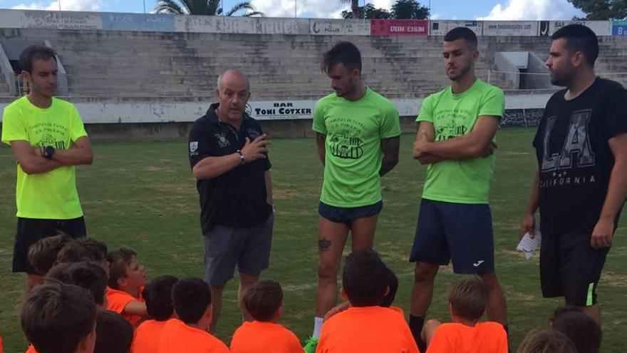 Noventa niños disfrutan del campus de fútbol formativo del Poblense