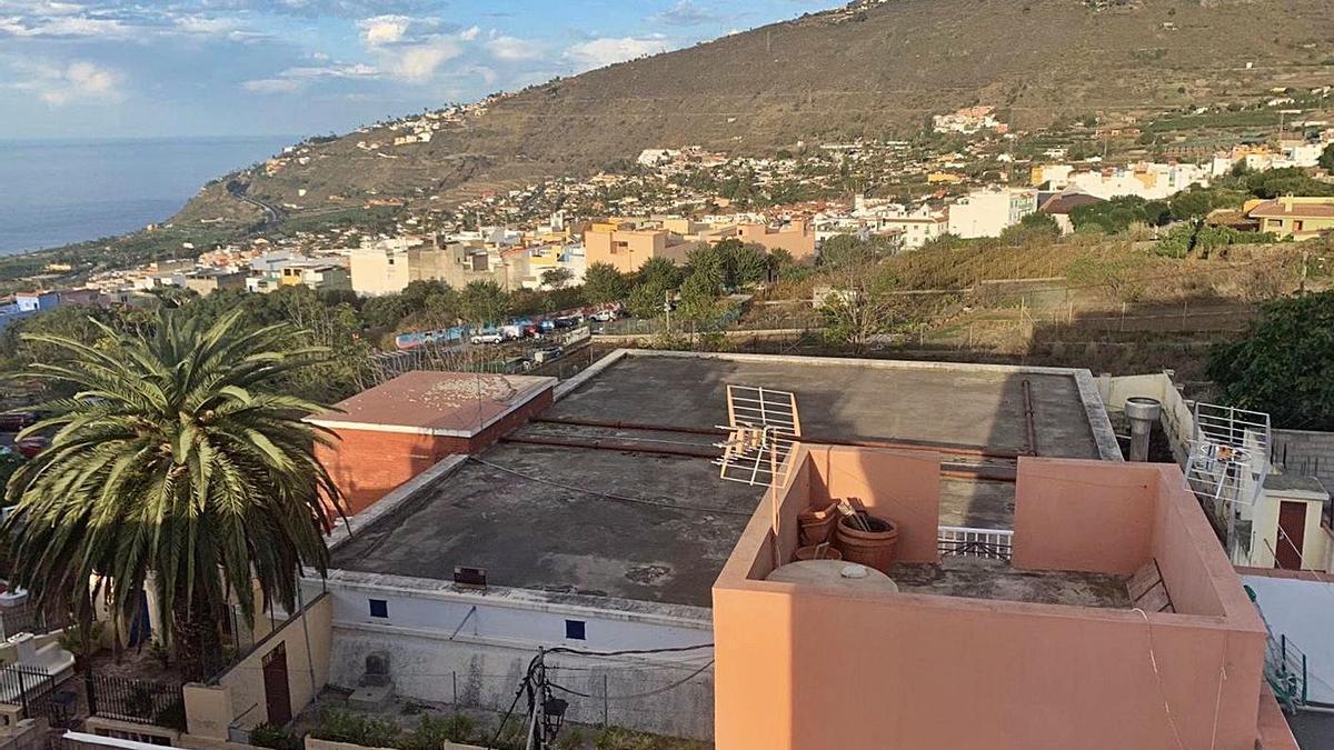El depósito de agua de Los Cuartos, en el barrio que le da nombre. | | E.D.