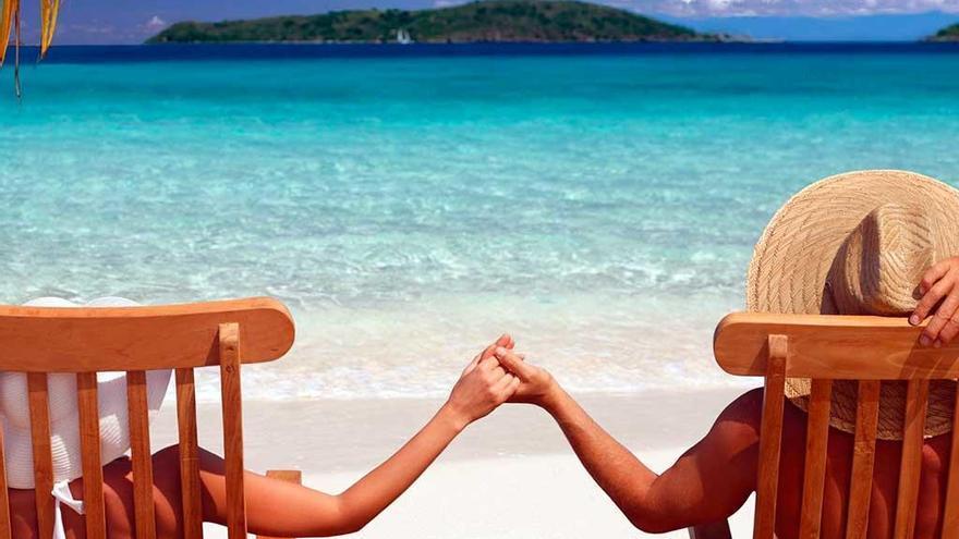 Los murcianos prefieren viajar con su pareja o amigos antes que con su familia