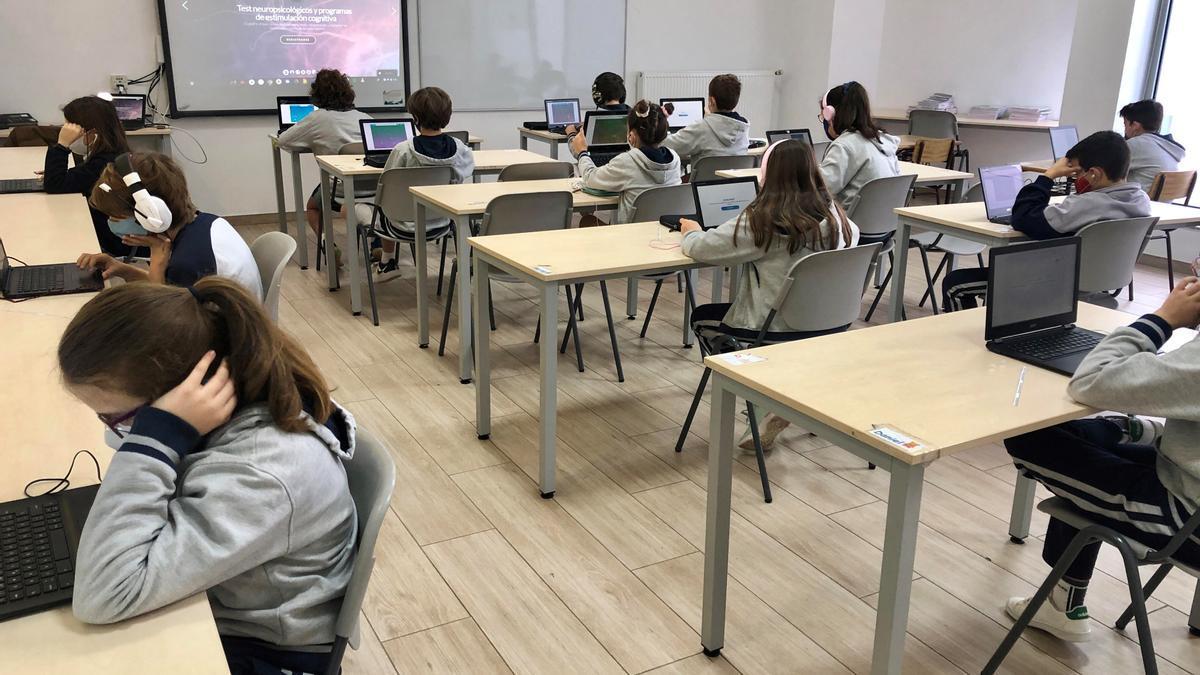 Alumnos de Palacio de Granda, en un aula