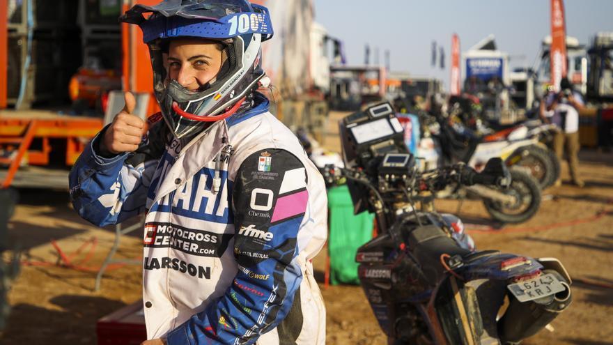Sara García se regala otro éxito en el Dakar con un 52º lugar en la cuarta etapa
