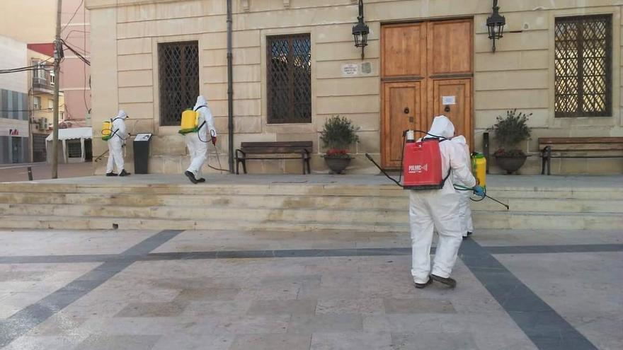 Monóvar continúa con la desinfección de calles y edificios municipales