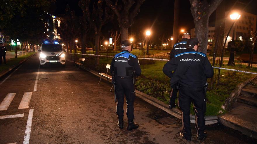 La Policía Local sanciona a 23 personas en un bar y detiene un botellón en O Ventorrillo