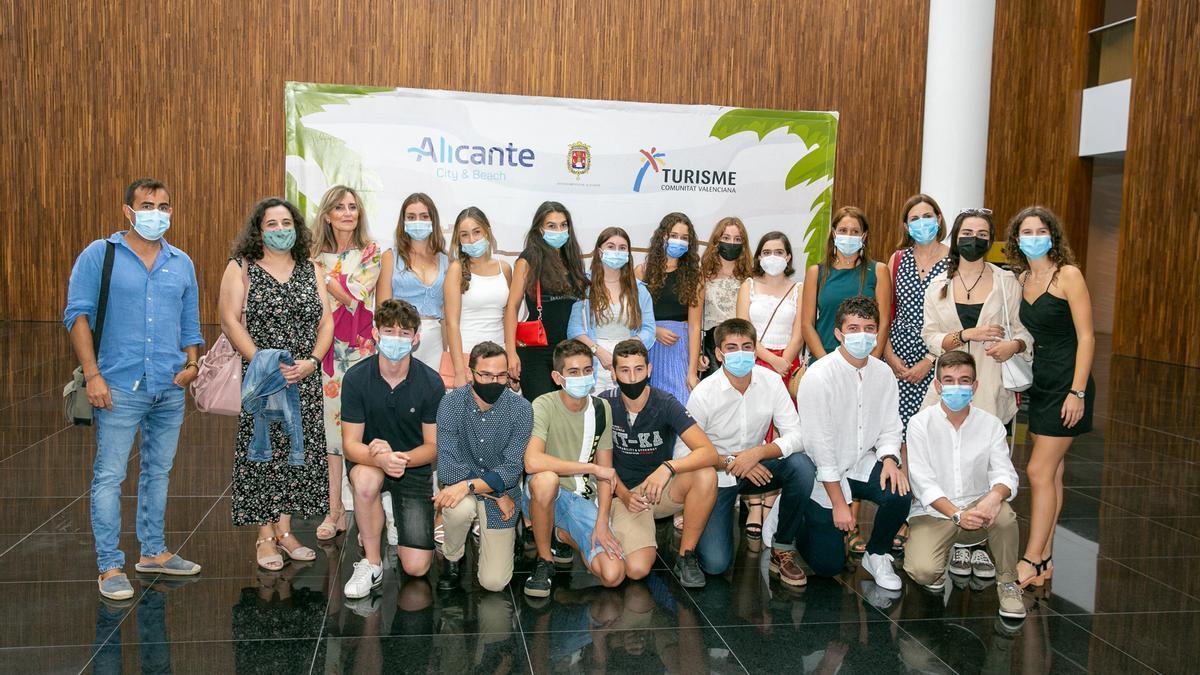 Alicante premia la contribución turística para la ciudad de Vectalia, Gastronou, Alicante Gastronómica y Muelle 12