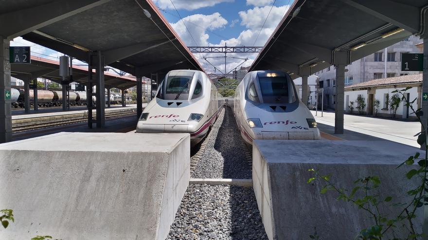 Así es el simulacro de persecución y en paralelo de dos trenes a máxima velocidad en tramos de Ourense