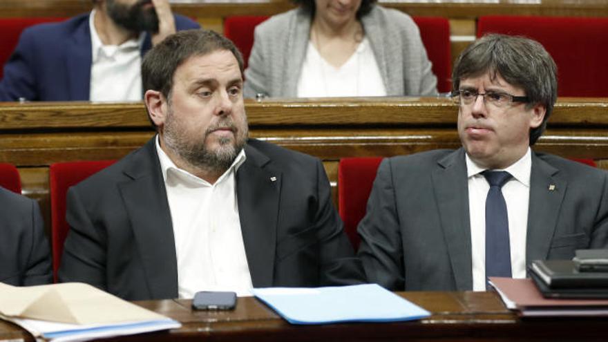 El Parlament de Cataluña aplaza la tramitación de la ley del referéndum