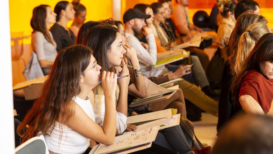 Ingenión 2021 organiza talleres de comunicación, gestión de negocios online, redes sociales y recursos públicos