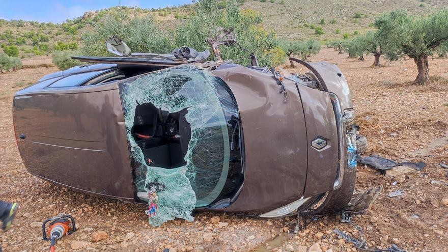 Tres heridos, entre ellos un bebé de dos meses, en un accidente de tráfico en Jumilla