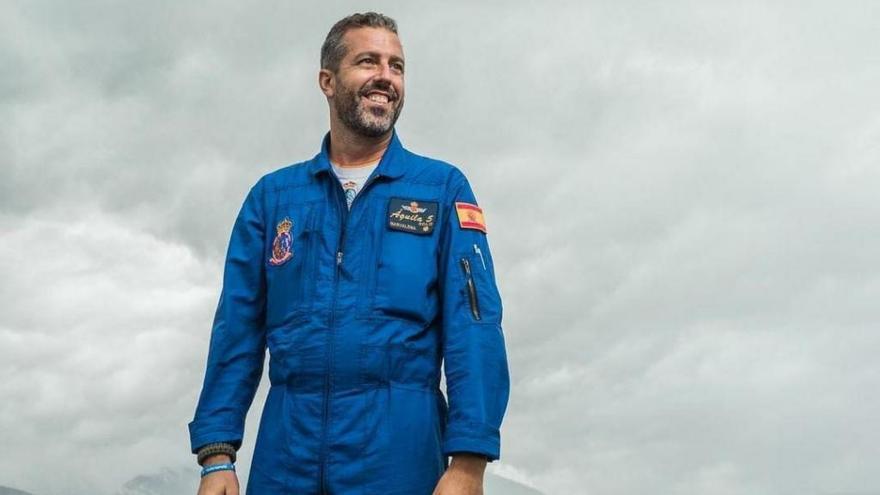 La AGA da el último adiós al piloto Eduardo Fermín Garvalena