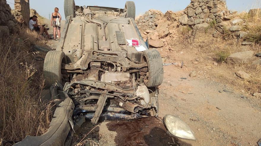 Cinco jóvenes heridos tras volcar con su coche en las proximidades de Pozoblanco