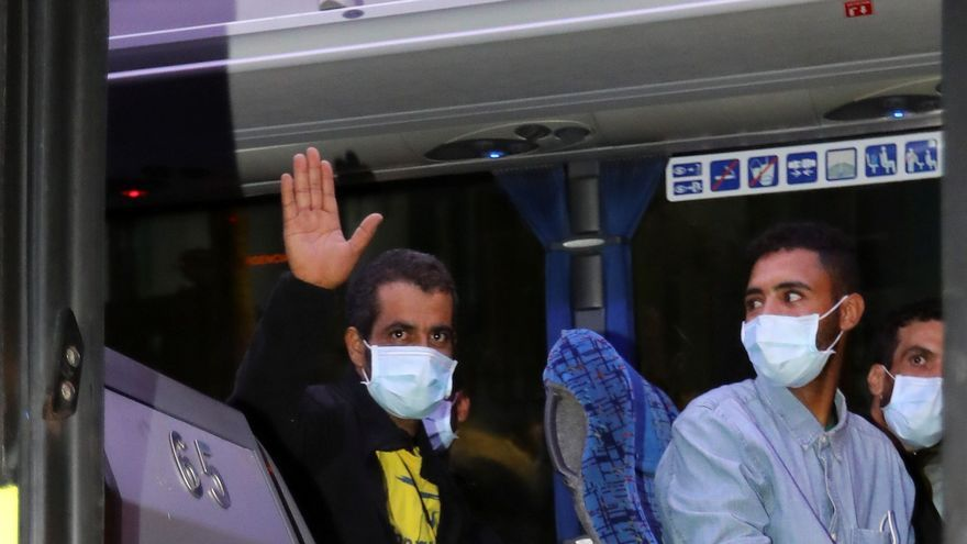 """CEAR dice que la decisión de dejar en la calle a los migrantes es """"inaudita"""""""