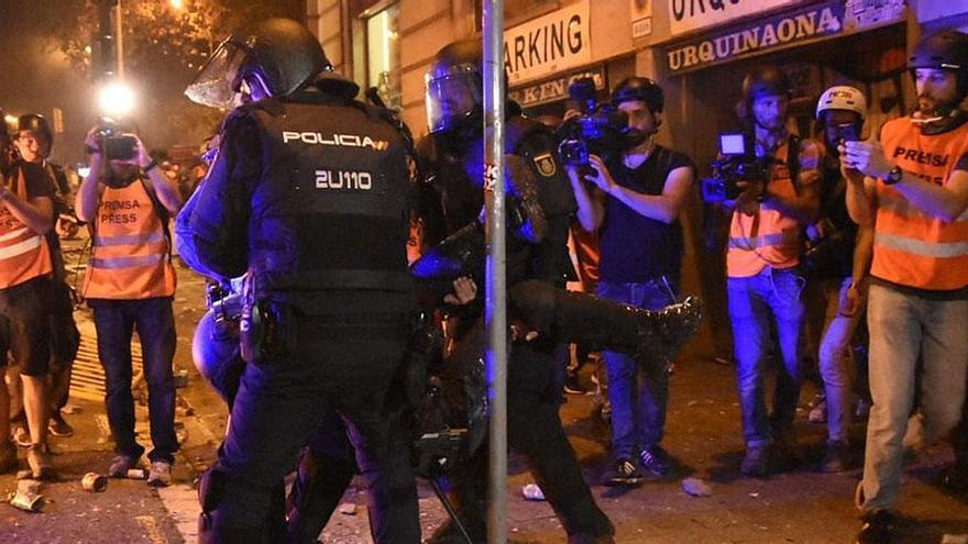 Interior vuelve a enviar antidisturbios de fuera de Cataluña para la Diada