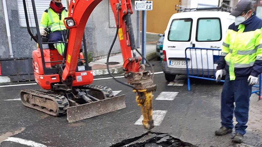 Cientos de grovenses quedan sin agua durante horas tras la rotura de una tubería
