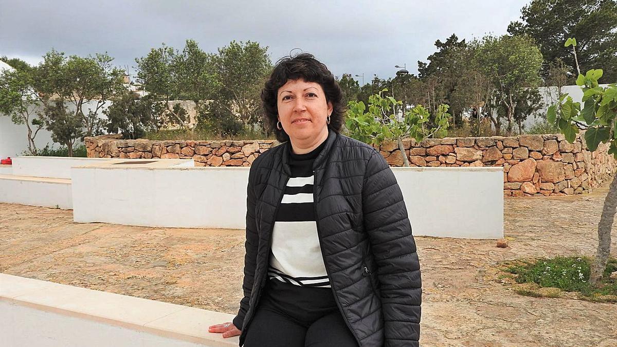 María Teresa Ferrer, presidenta de la OCB de Formentera, en el Jardí de ses Eres.