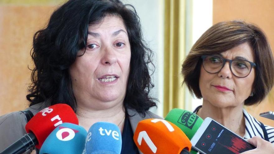 """Almudena Grandes, en la Región: """"España no puede ser eternamente un país anormal"""""""