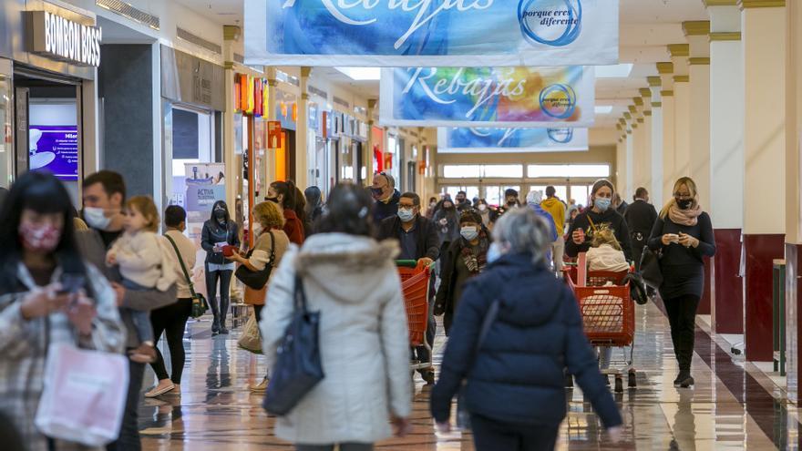 ¿Abren este fin de semana los centros comerciales?