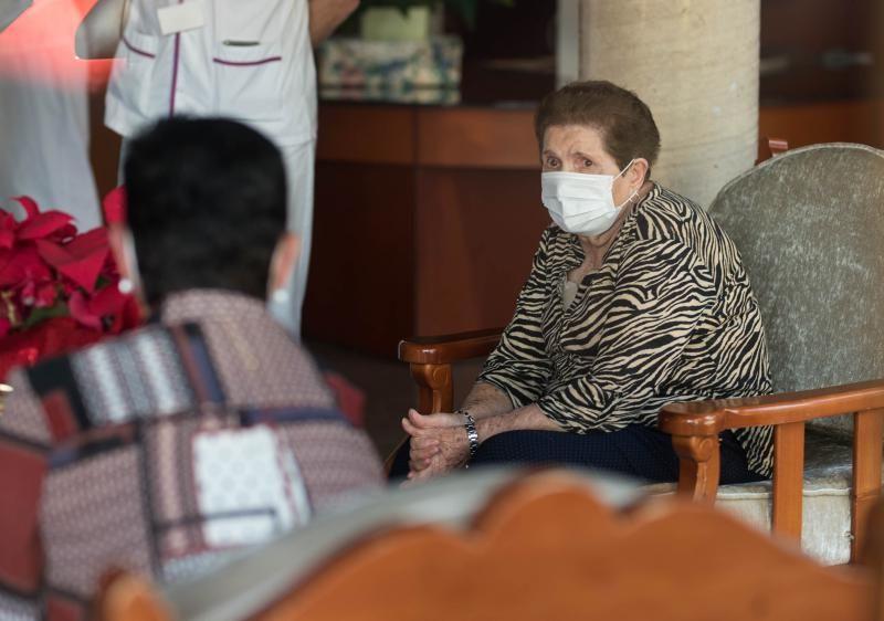 Doria Anatolia Ramos, de 84 años, primera vacunada de Tenerife