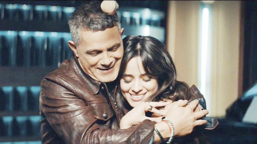 Alejandro Sanz arrasa con Camila Cabello