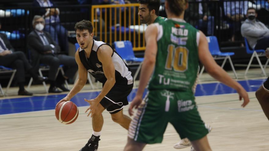 El Unicaja Banco Oviedo Baloncesto arrasa en El Prat (62-91) y sigue invicto en la LEB Oro