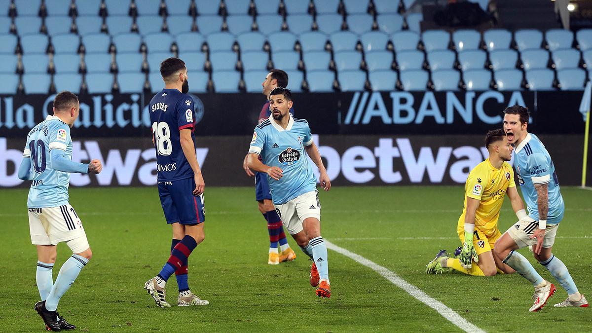 Nolito celebra su gol, tras asistencia de Iago Aspas