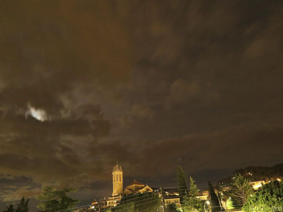 Fotografia nocturna de Moià.
