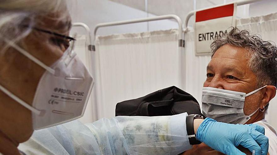 La falta de datos impide vacunar al 25% del grupo de 60 a 69 años