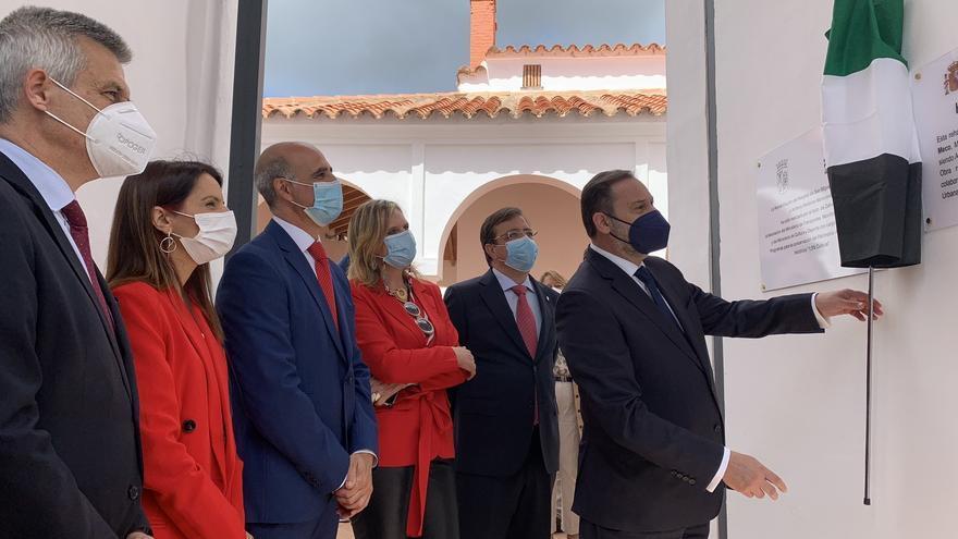"""Ábalos anuncia la licitación """"antes del verano"""" de las obras de la variante de la N-432 en Zafra"""
