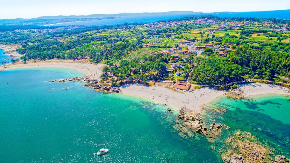 Camping Paisaxe II se enclava en pleno corazón de las Rías Baixas, al pie de las playas y calas más idílicas de San Vicente de O Grove