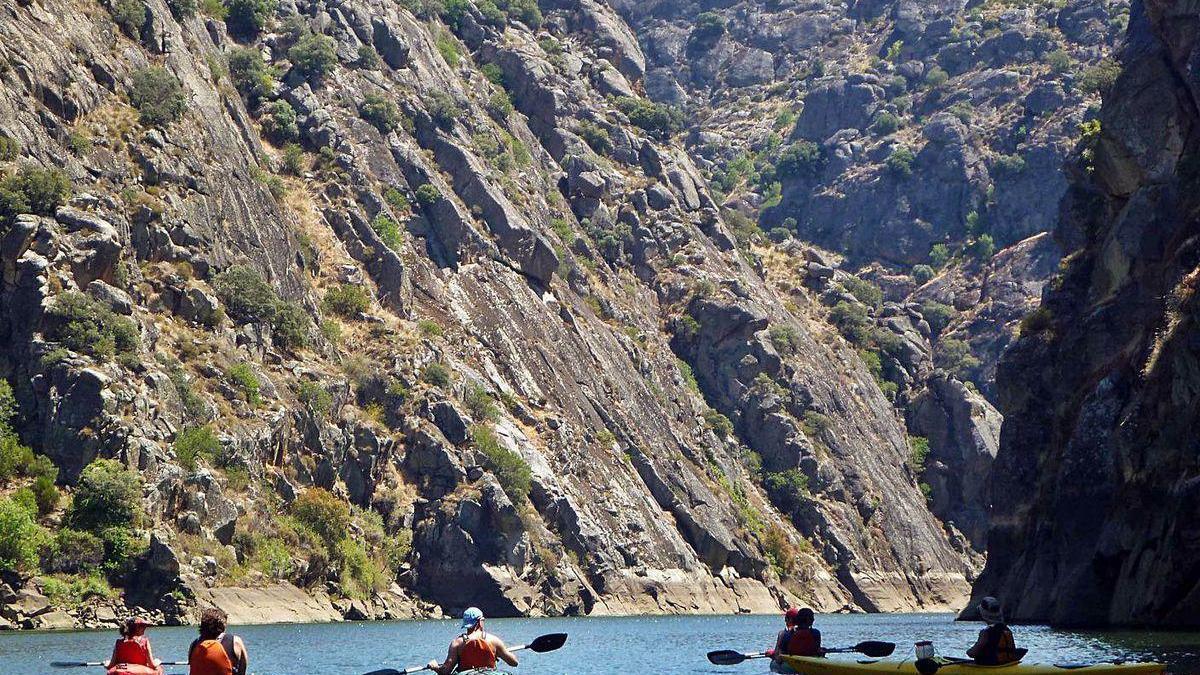 Ruta en kayak por los Arribes del Duero en su parte zamorana.