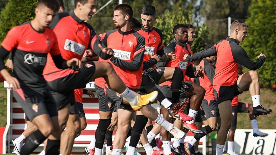 El Sporting, calma en el mercado invernal salvo salida de Álvaro Vázquez
