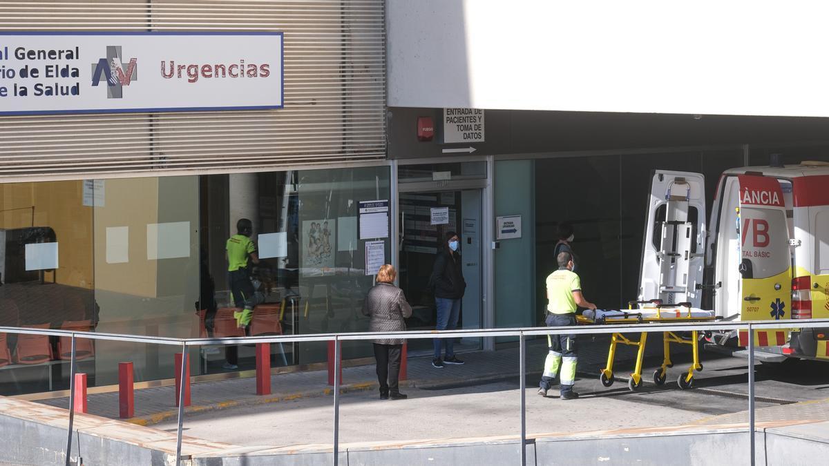 Entrada de Urgencias del Hospital de Elda a mediados de esta semana.