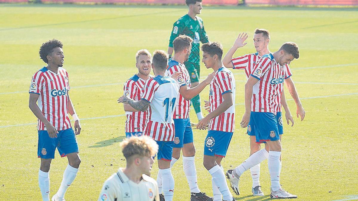 Els jugadors del Girona celebren un gol contra l'Espanyol B aquesta pretemporada