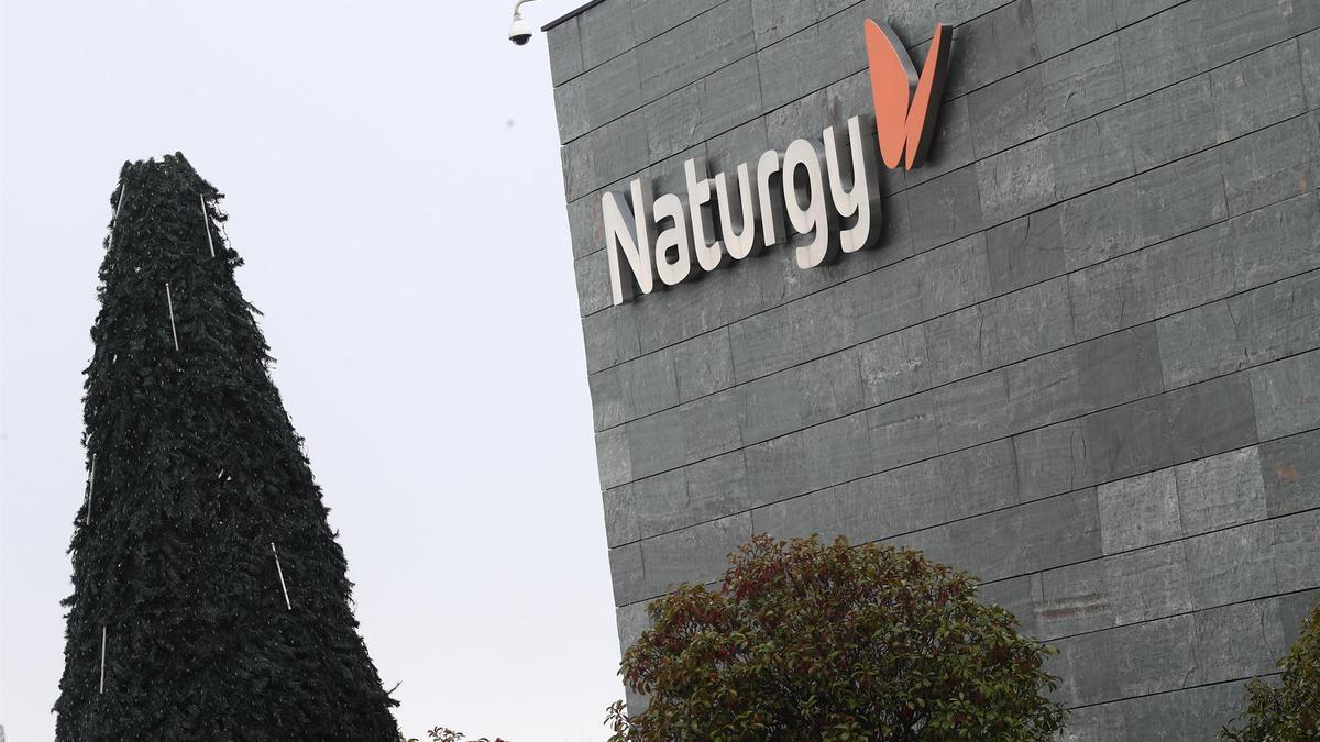 Fachada de la sede principal de Naturgy.