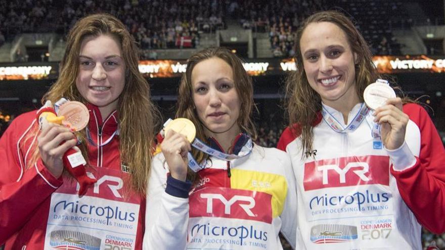 Jessica Vall vuela y logra el oro en los 200 braza