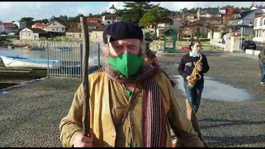 """El Apalpador visita A Illa: """"Bo Nadal e que marche o virus"""""""