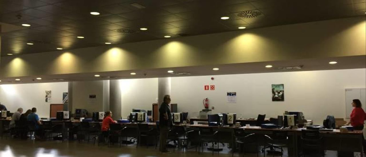 La falta de personal satura la oficina del DNI en Castelló y Vila-real