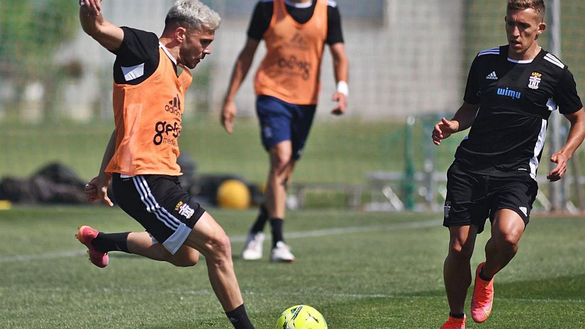 Álex Gallar y De Blasis, en el entrenamiento de ayer. | FC CARTAGENA